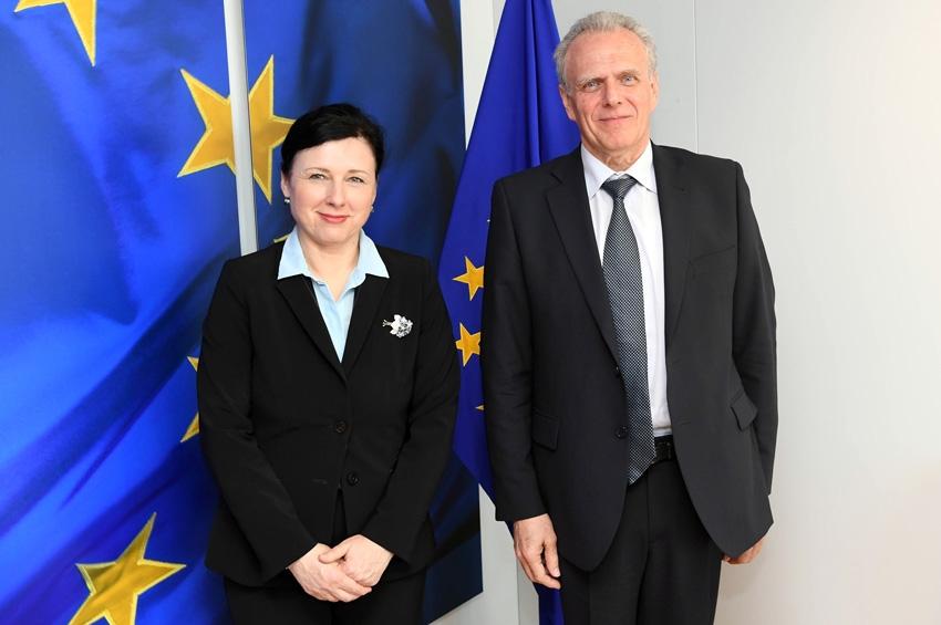 Encuentro con la Comisaria Věra Jourová – Bruselas, 27 de marzo 2017